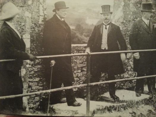 Winston Churchill prepares to kiss the Blarney Stone
