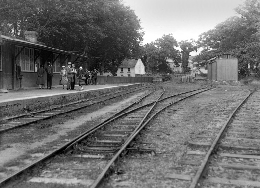 Waiting for the train in Blarney